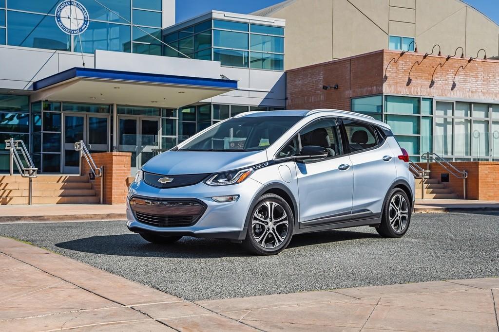 Chevrolet Bolt homologa 383 km de autonomía EPA y desafía al Tesla Model 3