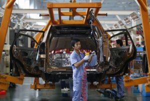 China planea introducir cuotas obligatorias de vehículos eléctricos a los fabricantes de automóviles